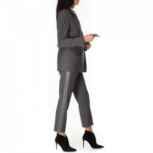 giacca-grigia-donna-elegante