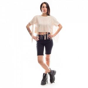woman-beige-fringes-t-shirts