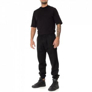 Outfit pantalone di tuta nero
