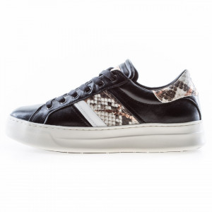 Crime london woman low sneakers black leather