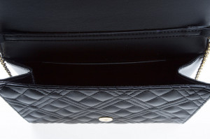 moschino-shoulder-bag-quilted