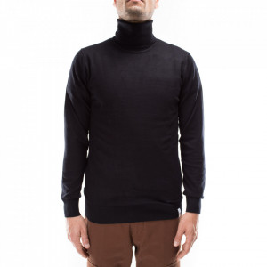 Outfit black turtleneck sweater