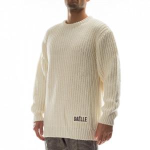 Gaelle man white sweater
