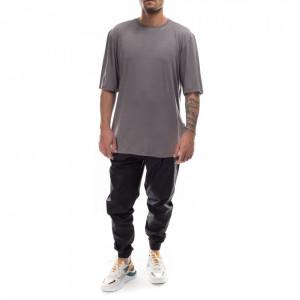 man-t-shirt-over-grey