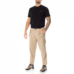 Outfit beige chino pants