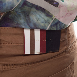 outfit-brown-man-short-5-pocket