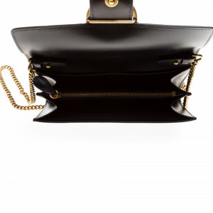 pinko-wallet-with-chain