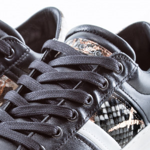 Crime-London-sneakers-basse-nere-in-pelle-donna