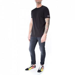 dsquared2-man-tshirt-black