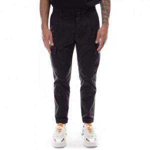 Outfit pantalone cargo neri uomo