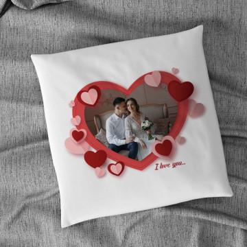 Perna personalizata cu o poza in forma de inima si mesaj
