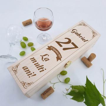 Cutie vin personalizata - La multi ani