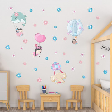 Set stickere decorative perete copii - Balonasele cu animale si copii, 60x90cm