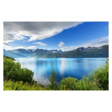 Fototapet autoadeziv - Lac printre Munti
