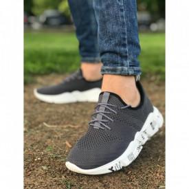 Pantofi sport gri, cu talpa flexibila din spuma, foarte usori si comozi