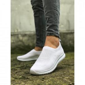 Pantofi sport albi, cu talpa flexibila din spuma, foarte usori si comozi