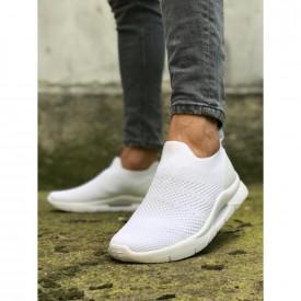 Pantofi sport albi, cu talpa flexibila din spuma, ideali pentru sport