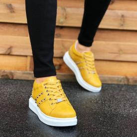 Pantofi sport barbati galbeni, cu aplicatii metalice, talpa din spuma