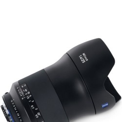 Zeiss Milvus 25mm f/1.4 p/ Canon EF