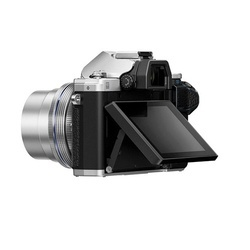 Olympus E-M10 III PancakeZoom Kit Prata + EZ-M 14-42mm EZ