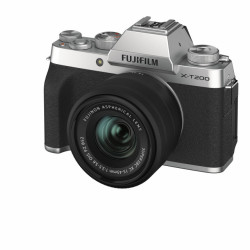 X-T200 Silver + XC15-45mm F3.5-5.6 OIS PZ