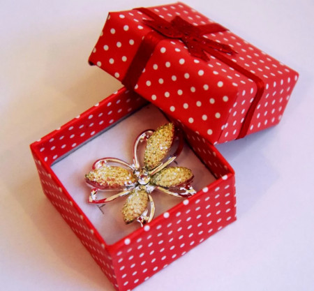 Brosa Fluture galben