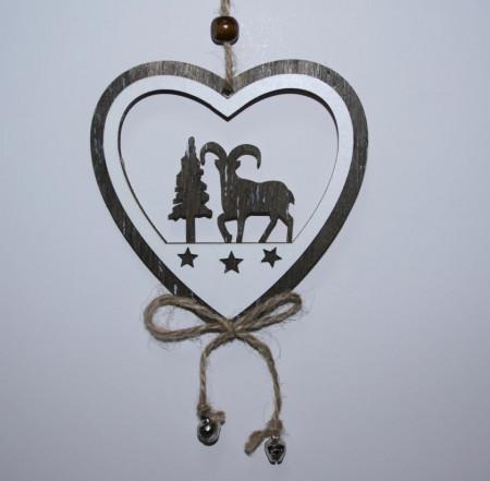 Decoratiune inimioara din lemn cu clopotei