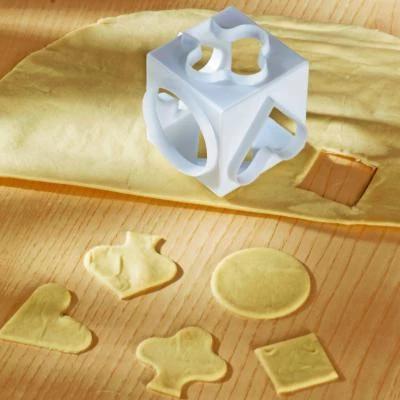 Cub cu 5 forme de decupat aluatul