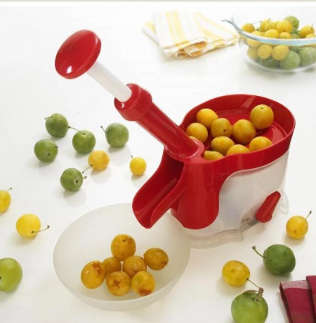 Aparat de scos samburii fructelor