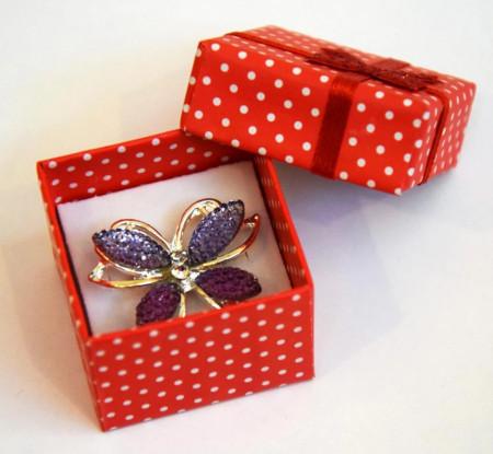 Brosa Fluture mov