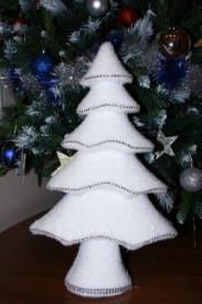 Decoratiune brad alb cu strasuri