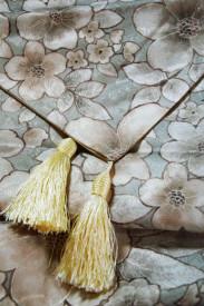 Traversa model floral