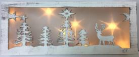 Decoratiune peisaj cu ren luminos din lemn alb