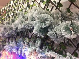 Ghirlanda artificiala de pin cu zapada