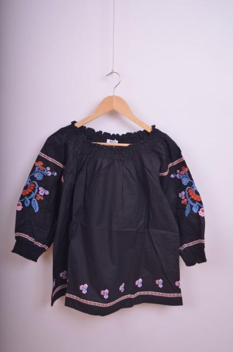 Bluza dama, cu broderie florala pe maneca, engros