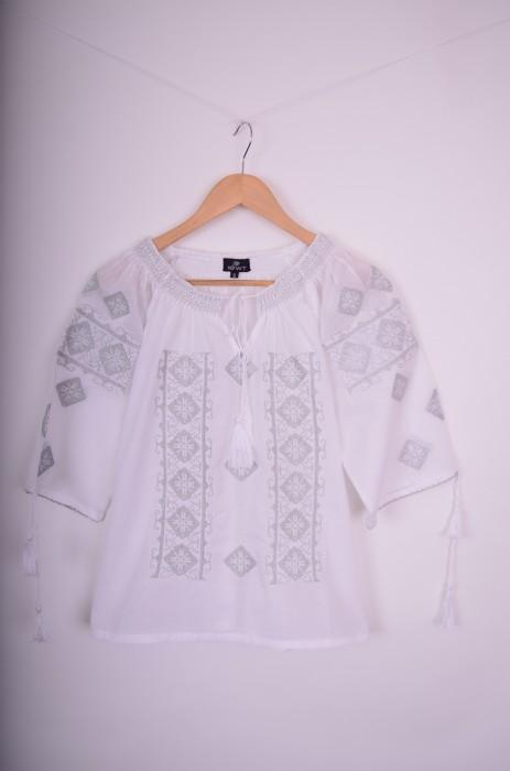 Bluza traditionala de dama, cu broderie colorata, engros