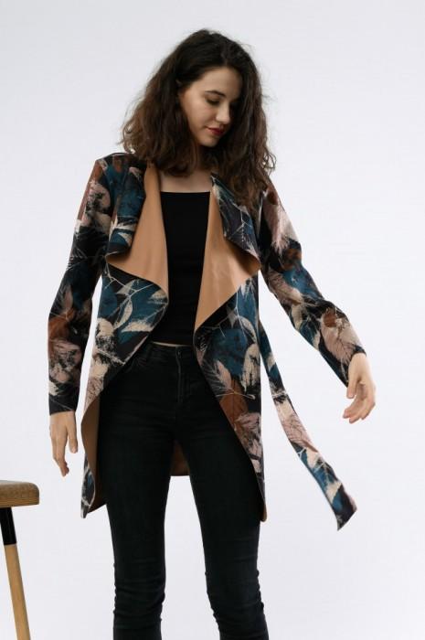 Jacheta cu cordon, din imitatie piele intoarsa, cu imprimeu frunze, engros