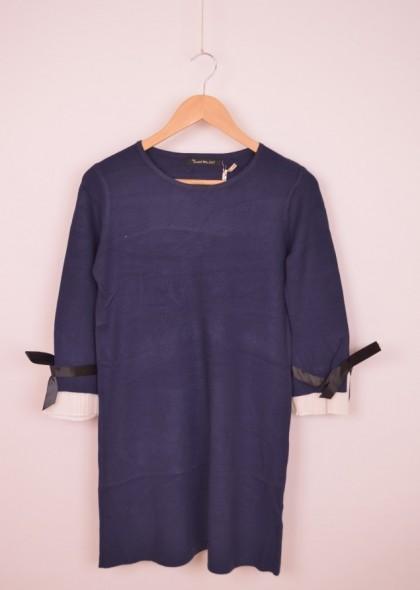 Rochie tricot, cu detaliu fundite cu volane la maneci, engros