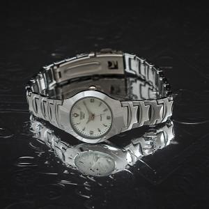 Дамски часовник quartz Q150
