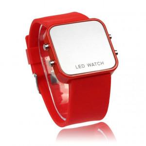 Часовник LED M008-V4- червен