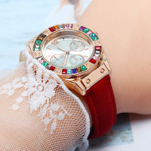 Дамски часовник Q500