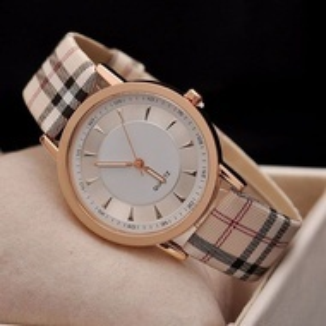 Дасмки часовник Q1507-V1