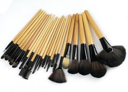 Trusa machiaj farduri 120 culori + 24 pensule make up + fond de ten + ruj