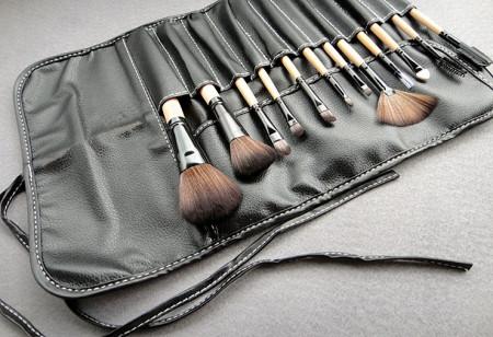 Set machiaj complet cu paleta farduri 120 nuante beauty blender para