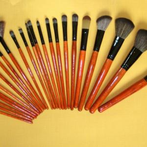 Trusa machiaj farduri nude 120 culori 24 pensule fond de ten corector concealer