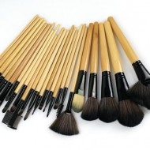 Trusa machiaj farduri 183 culori + 24 pensule make up + fond de ten + ruj