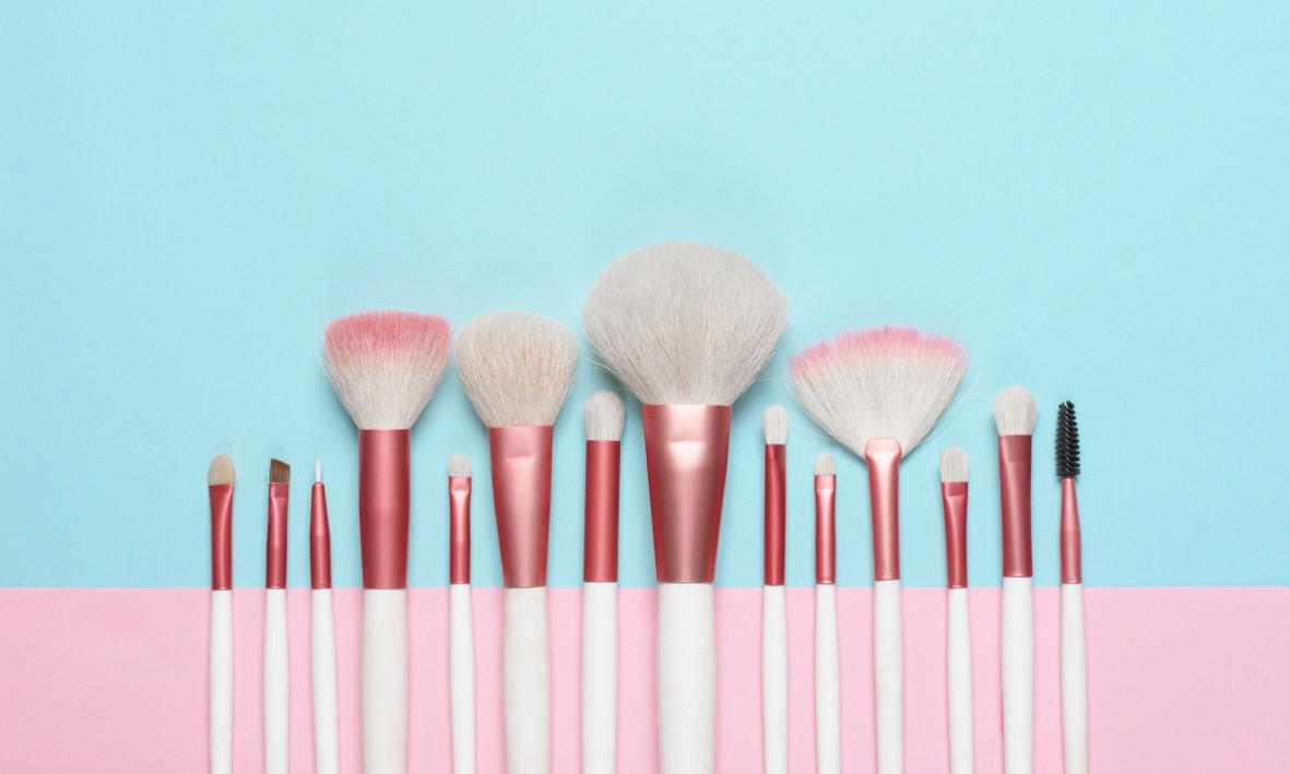 Pinceis e Esponjas: Como e quando lavar