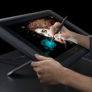 "WACOM Tableta grafica Interactive Pen 21.5"" Wacom Cintiq 22HD (DTK-2200) + STICK 64GB KINGSTON"