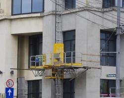 INCHIRIERE Platforma autoridicatoare pe cremaliera MONOCOLOANA, sarcina maxima 1.600 kg