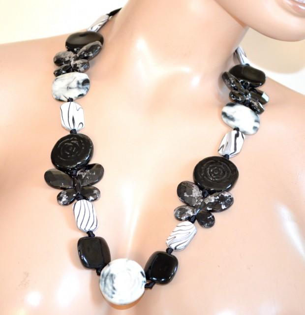 Ben noto COLLANA BIANCA NERA pietre dure donna lunga girocollo collier  XC76